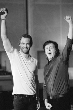 Holy crap, best picture ever! Paul McCartney & Chris Pine