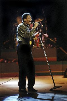 Al Jarreau during a concert at ICC Berlin in 1986 Jazz Artists, Jazz Musicians, Music Artists, Kinds Of Music, Music Is Life, My Music, Music Class, Soul Music, Musica