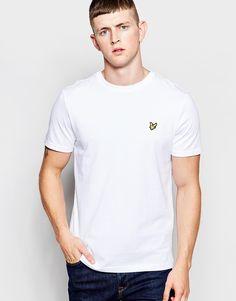 T-Shirt von Lyle & Scott Vintage Baumwoll-Jersey Rundhalsausschnitt Logo auf der Brust reguläre Passform - entspricht den Größenangaben Maschinenwäsche 100% Baumwolle Unser Model trägt Größe M und ist 185,5 cm/6 Fuß, 1 Zoll groß