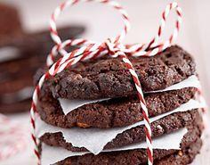 Ciastka czekoladowe z żurawiną i orzechami włoskimi
