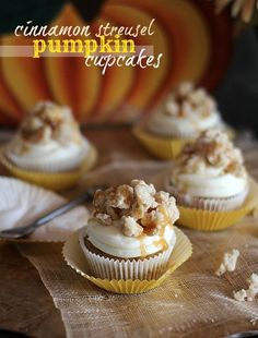 Cinnamon Streusel Pumpkin Cupcakes recipe - these are easy and the perfect fall recipe for a party or just desserts! Yum!