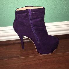 Purple ankle boot Purple ankle boot. Gently used. Very high heel Shoe Dazzle Shoes Ankle Boots & Booties