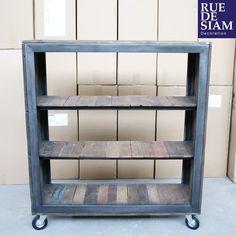 Bibliothèque sur roulettes #meuble #buffet #bois #acier #design #industriel #roulettes