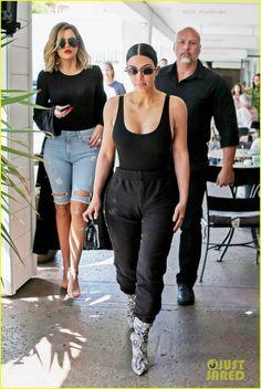 Kim, Khloe & Kourtney Kardashian Have a Girl's Lunch Together | kim khloe kourtney kardashian step out for frozen yogurt 01 - Photo