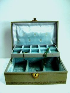 Vintage Jewelry Box  Sage Green w/ Gold FleurdeLis by junquegypsy, $38.20