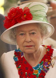 Queen Elizabeth II is all set to celebrate her Diamond Jubilee--that's 60 years on the throne as the Queen of England--and 60 years of elaborate hats God Save The Queen, Hm The Queen, Royal Queen, Her Majesty The Queen, King Queen, Pippa Middleton, Mode Chanel, Foto Real, Isabel Ii