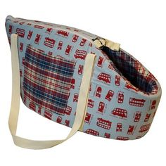 Bolsa de Transporte para Cães Bus Dog & Home - Feita em poliéster com tricoline de ótima qualidade e acabamento acolchoado; Perfeita para passeios, viagens e aventuras com o Pet; Fechamento em zíper com fecho interno para prender a coleira; Almofada interna removível, fácil de lavar e bolso lateral, perfeito para colocar pequenos acessórios; MeuAmigoPet.com.br #petshop #cachorro #cão #meuamigopet