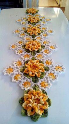 Crochet table center: 50 models, photos and graphics – New decoration styles – Knitting – Crochet Crochet Home, Love Crochet, Crochet Motif, Beautiful Crochet, Irish Crochet, Crochet Crafts, Crochet Doilies, Crochet Projects, Knit Crochet