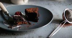 Oliiviöljy-suklaakakku Nigella Lawson, Gluten Free, Pudding, Desserts, Food, Flan, Glutenfree, Postres, Puddings