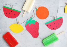 Babiekins Magazine // DIY Paper Fruit Garland