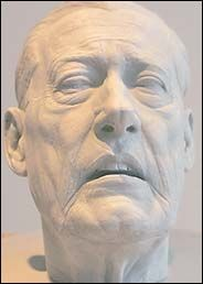Sculptor Throws a Curve With Slugger's Head - New York Times Ted Williams death mask