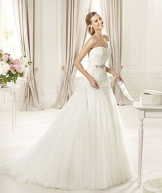 Wedding dresses from the Glamour 2015 collection - Pronovias