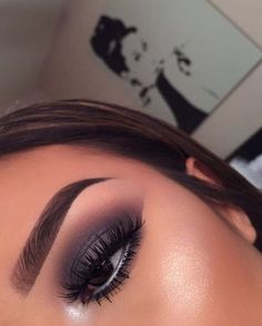 grey eyeshadow, cut crease - new_make_up_pintennium Glam Makeup, Flawless Makeup, Cute Makeup, Pretty Makeup, Skin Makeup, Makeup Inspo, Makeup Inspiration, Beauty Makeup, Makeup Art