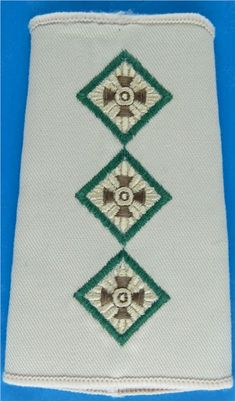 Captain (Intelligence Corps) (Green-Edged Pips) Rank Slide - Sand Officer rank badge for sale Military Ranks, Royal Marines, Royal Air Force, British Army, Badges, Patches, Shoulder, Badge