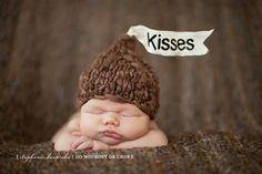 baby crochet ideas | Crochet ideas / hershey kisses baby crochet hat