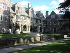 Princeton University Campus. Isn't This Serene looking?     #campus #collegecampus #princeton