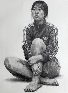 인체소묘[연필소묘] : 네이버 블로그 Human Figure Drawing, Figure Sketching, Drawing Practice, Life Drawing, Realistic Drawings, Cool Drawings, Pencil Drawings, Sketches Of People, Art Sketches