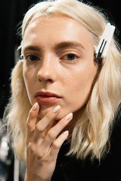 Il nail contouring è il trend da seguire che ti allunga le unghie -cosmopolitan.it