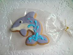 Dolphin cookie idea for Alyssa's classroom party.