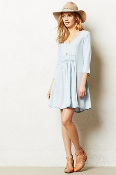 Bavay Dress I want this whole look. Her lovely little chambray dress, floppy hat, and killer shoes. I want this outfit Fashion Moda, Womens Fashion, Fashion News, Fashion Trends, Dress Outfits, Cute Outfits, Woman Outfits, Midi Dresses, Club Dresses