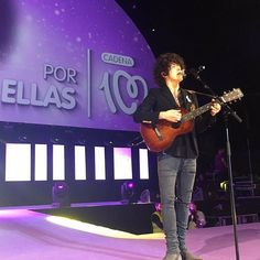 LP in Madrid yesterday :) #lp #laurapergolizzi #iamlp #iamlpofficial #madrid #spain #Cadena100PorEllas #cadena100 #lostonyou
