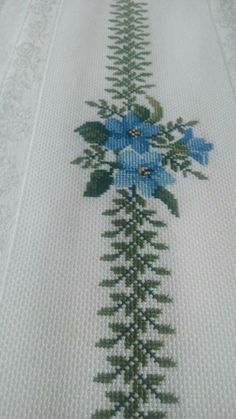 This Pin was discovered by Hül Cross Stitch Bookmarks, Cross Stitch Heart, Cross Stitch Borders, Cross Stitch Flowers, Cross Stitch Designs, Cross Stitching, Cross Stitch Patterns, Hand Embroidery Designs, Beaded Embroidery