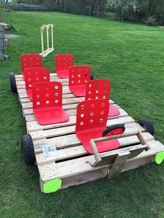 25 Beautiful Outdoor Kids Projects With Recycled Pallets Home Design And Interior is part of Outdoor kids Kids are always happy to play and when they get bored inside the house, the outdoor play s - Kids Outdoor Play, Outdoor Play Spaces, Kids Play Area, Outdoor Learning, Backyard For Kids, Outdoor Fun, Natural Playground, Outdoor Playground, Playground Ideas