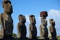 Nicolas de Camaret http://www.upsocl.com/viajes/4-cosas-que-no-sabias-de-la-misteriosa-isla-de-pascua/