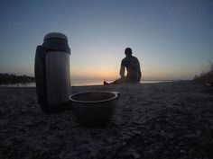 A perfect cup of hot coffee in the morning is something that can give most of us the energy to face another busy day at work. Stainless Steel Coffee Mugs, Stainless Steel Bottle, Insulated Travel Mugs, Insulated Tumblers, Fresco, Coffee Maker Reviews, Glass Coffee Cups, Reusable Coffee Cup, Coffee Tumbler