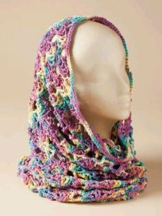 Crocheted cowl / scarf