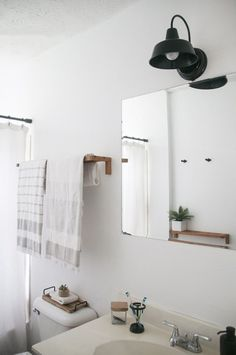 Before & After: A New Bathroom, 3 Hours & $150 Later