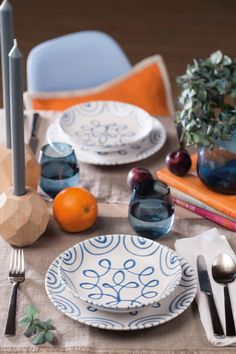 Blue Flames, Tablescapes, Pure Products, Table Decorations, Design, Furniture, Food, Home Decor, Hand Painted Dishes