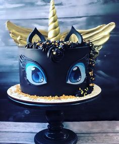 Incredible cute black unicorn cake that looks a bit like Toothless from How to Train Your Dragon. Black cake with gold horn and wings baked by Russian baker Gebi Cakes. Pretty Cakes, Cute Cakes, Black Unicorn Cake, Animal Cakes, Zucchini Cake, Salty Cake, Fancy Cakes, Savoury Cake, Cake Designs