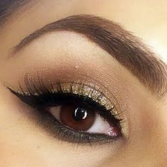 Christmas party eye makeup @meghanjm. Neutral eye makeup with black and gold double eyeliner