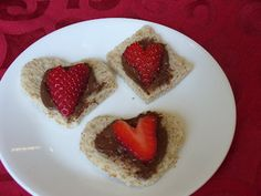 heart shaped bread snacks | Recipe Shoebox: Valentine's Day Strawberry snacks