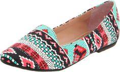 Nice navajo shoes, hopefully not by Urban Outfitters otherwise I'd buy them