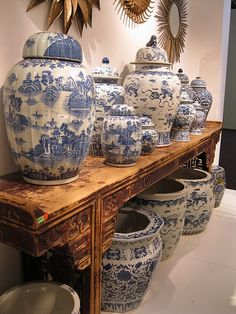 always love asian accents   #blue&white; pottery  #alter table