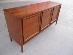 Houston: Sleek Mid Century dresser and nightstand $675 - http://furnishlyst.com/listings/1103670