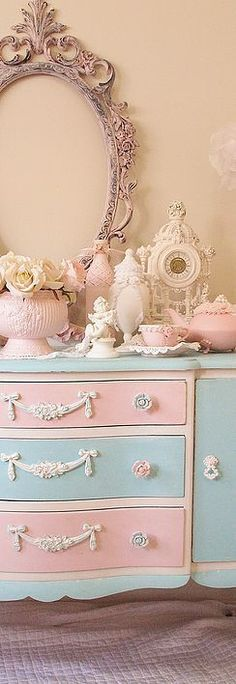 A picture gallery of Luv My Stuff shabby chic home décor creations #shabbychichomesdecorating