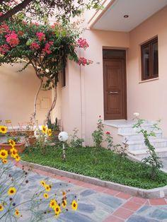 Hotellisuositus Kreetalle (Hania / Agia Marina / Hotel Oscar )   #hotellisuositus #visitcrete Travelling, Wreaths, Plants, Decor, Decoration, Door Wreaths, Deco Mesh Wreaths, Plant, Decorating