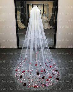 Flower Veil, Wedding Veil, Flowers, Royal Icing Flowers, Florals, Flower, Bloemen, Blossoms