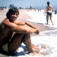 Transcendental Meditation Revealed: Everything You Need To Know Transcendental Meditation Technique, Meditation Techniques, Meditation Practices, Arnold Schwarzenegger, New Age, Spiritual Quotes, Need To Know, Nostalgia, Calendar