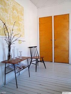 Apartment Room, White Wooden Floor, Vintage Interior, Vintage Interior Design, 50s Style Kitchens, Interior Design Inspiration, Home Decor, Interior Design, Modern Kichen