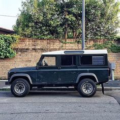 """1,283 Likes, 1 Comments - @landroverphotoalbum on Instagram: """"More Defender goodness! By @vansofmilan #landrover #Defender110csw #landroverdefender…"""""""