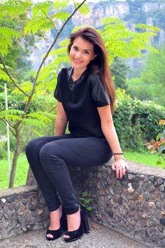 Girl in Black – Cvetybaby