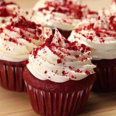 Red Velvet Cheesecake Box Cupcakes Recipe by Tasty Here's what you need: red velvet cake mix, cream cheese, powdered sugar, vanilla extract, cream cheese frosting Red Velvet Cheesecake Cupcakes, Red Velvet Cake Mix, Cheesecake Cake, Box Cake Recipes, Cupcake Recipes, Dessert Recipes, Desserts, Cupcakes Lindos, Yummy Cupcakes