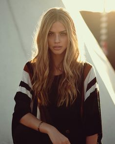 "Marina Laswick - ""Light of the morning, You shine forever // "" Marina Laswick, Tumblr Girls, Hair Inspiration, Cool Girl, Portrait Photography, Fashion Beauty, Hair Beauty, Beautiful Women, Portraits"
