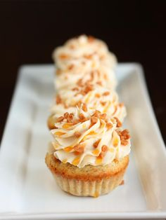 Vegan Caramel Crunch Cupcake Recipe.       |     Organize your favourite recipes on your iPhone or iPad with @RecipeTin! Find out more here: www.recipetinapp.com      #recipes #vegan