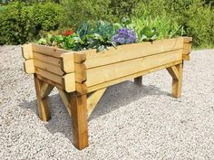 Raised garden table the table raised table shaped vegetable planter raised garden table diy Trough Planters, Wood Planters, Garden Planters, Planter Pots, Vegetable Planters, Vegetable Bed, Vegetable Gardening, Organic Gardening, Raised Planter