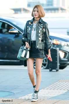 GIRLS GENERATION, the best source for photography, media, news and all things related. Snsd Airport Fashion, Snsd Fashion, Korean Fashion, Girl Fashion, Edgy Outfits, Korean Outfits, Cool Outfits, Korean Clothes, Yuri